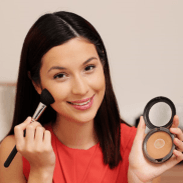 Darker shades of powder help to make your face look slimmer. Let Sonya show you, how to achieve that look without looking like a zebra.