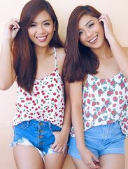 🍒 or 🍓? Thank you @perfectfitshop_ph for our cute summer tops! 😍 #TwinsOwningItOOTD #Clozette @pilipinasootd #fashion #summer #igers #igersmanila