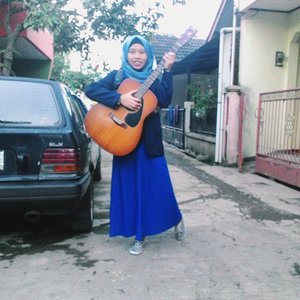 You can't always define your style but your style will always define you. (and yes, I do play guitar🎸 ) #vsco #vscocam #vscolifestyle  #hijabootdindo #ootd #ClozetteID