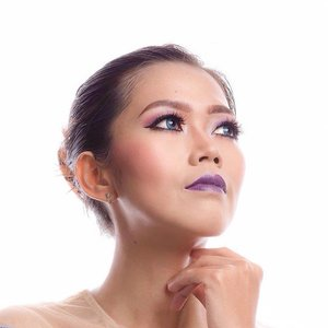 Everything changes when a lips becomes purple  #quotesoftheday #makeup #motd #beauty #blogger #beautyblogger #beautybloggerid #indonesiabeautyblogger #instabeauty #potd #clozetteid #clozetteambassador #eotd #lotd #fdbeauty